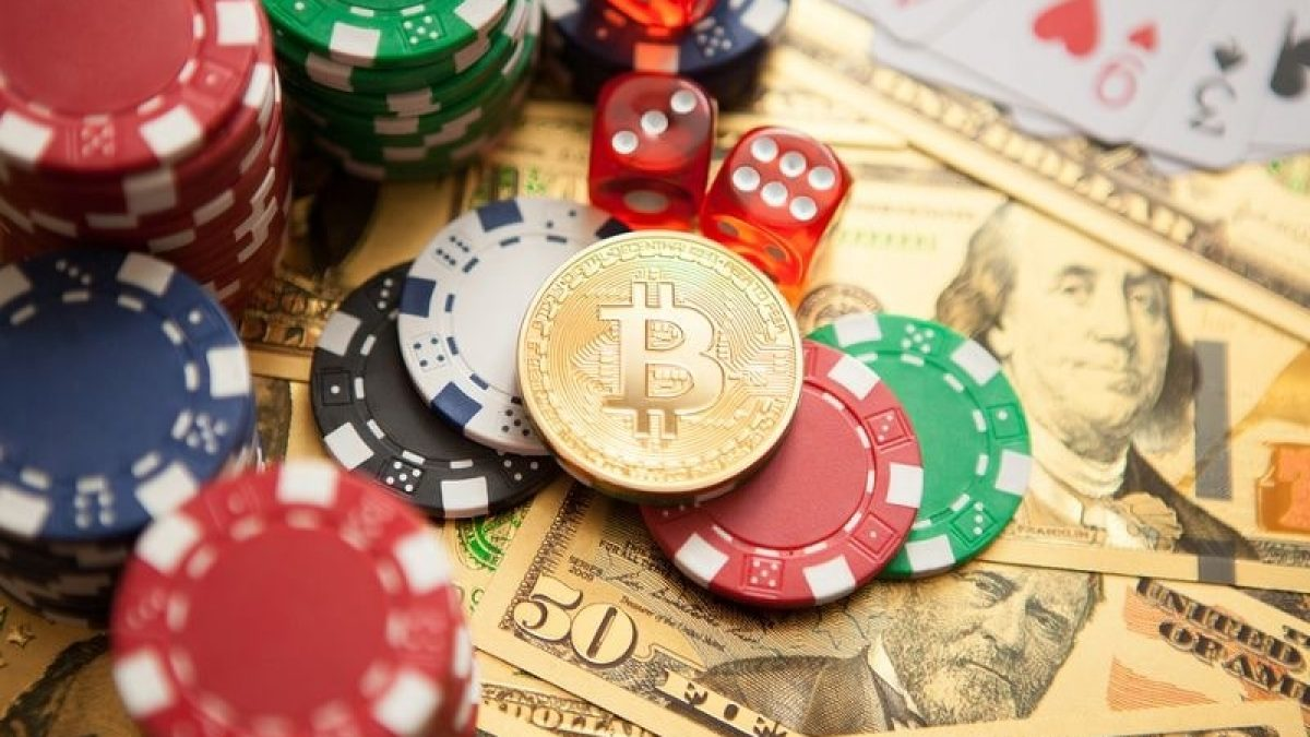 What Makes The Poker Games More Popular Among All People?